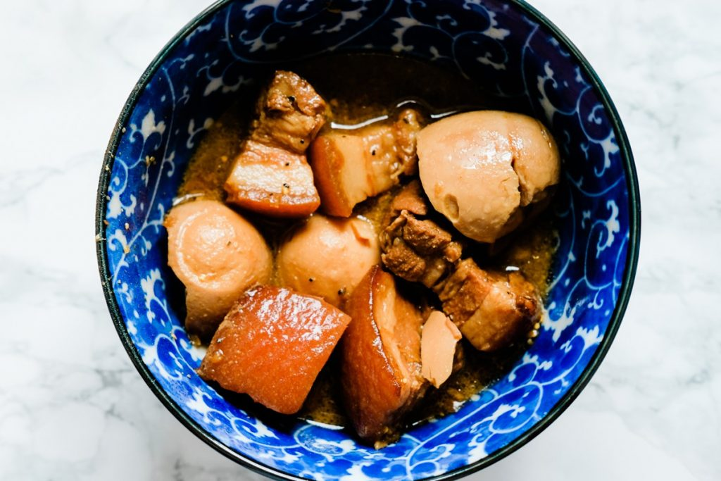 Thit Kho Trung (Vietnamese Caramelized Pork Belly and Egg) Recipe